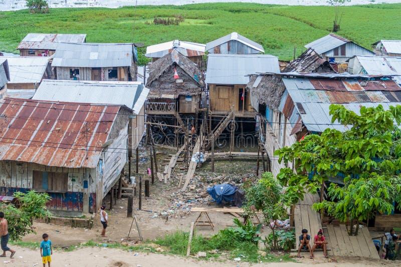 Barackensiedlung in Iquitos, Peru lizenzfreies stockbild
