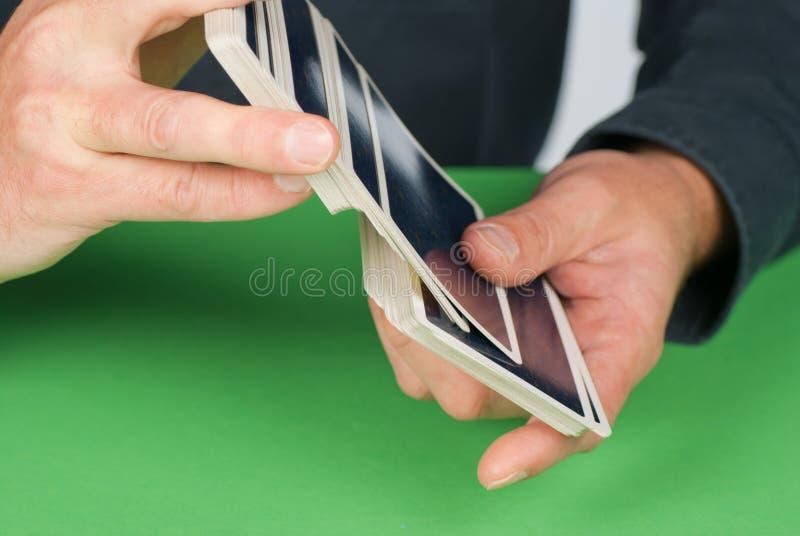 Baralhando cartões imagem de stock