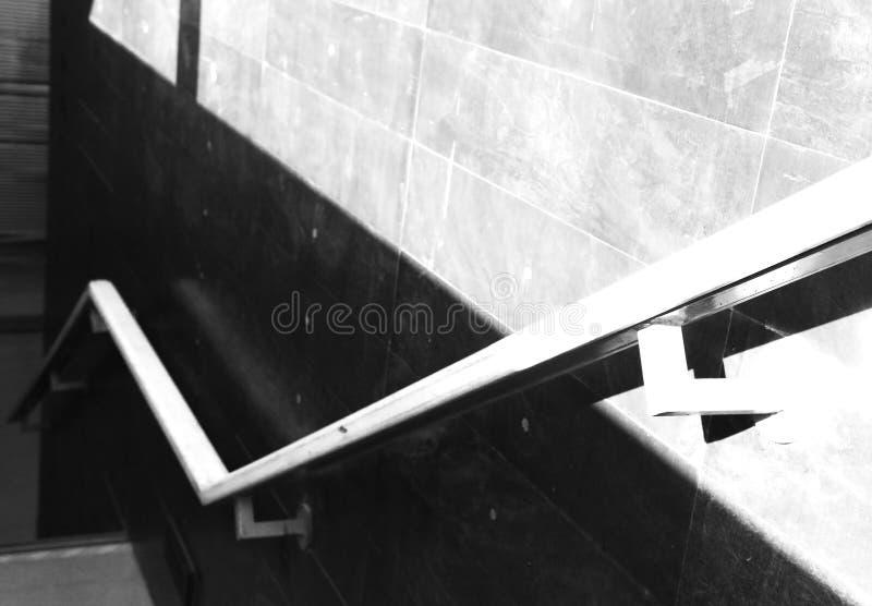 Barandilla al lado de las escaleras imagen de archivo libre de regalías