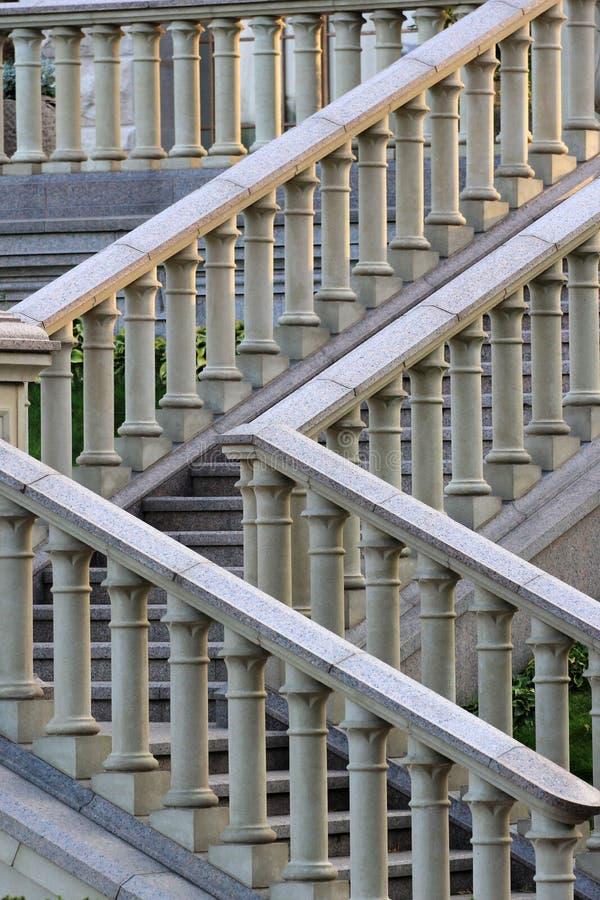 Barandilla de piedra en una escalera fotografía de archivo