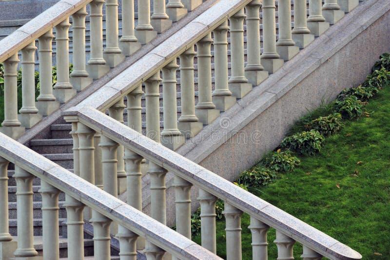 Barandilla de piedra en una escalera imagen de archivo libre de regalías