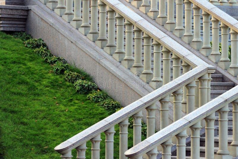 Barandilla de piedra en una escalera fotos de archivo libres de regalías