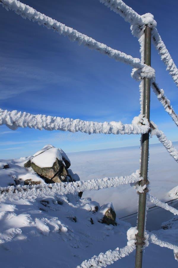 Barandilla nevada fotografía de archivo libre de regalías