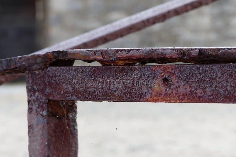 Barandilla vieja oxidada imagenes de archivo