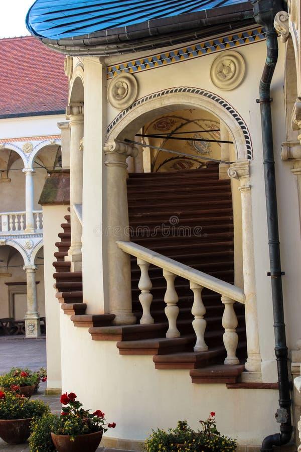 Baranow Sandomierski, palacio de los exteriores en Baranow Sandomierski, Polonia, llamó a menudo pequeño Wawel fotografía de archivo