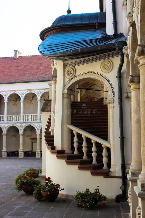 Baranow Sandomierski, palacio de los exteriores en Baranow Sandomierski, Polonia, llamó a menudo pequeño Wawel fotos de archivo libres de regalías