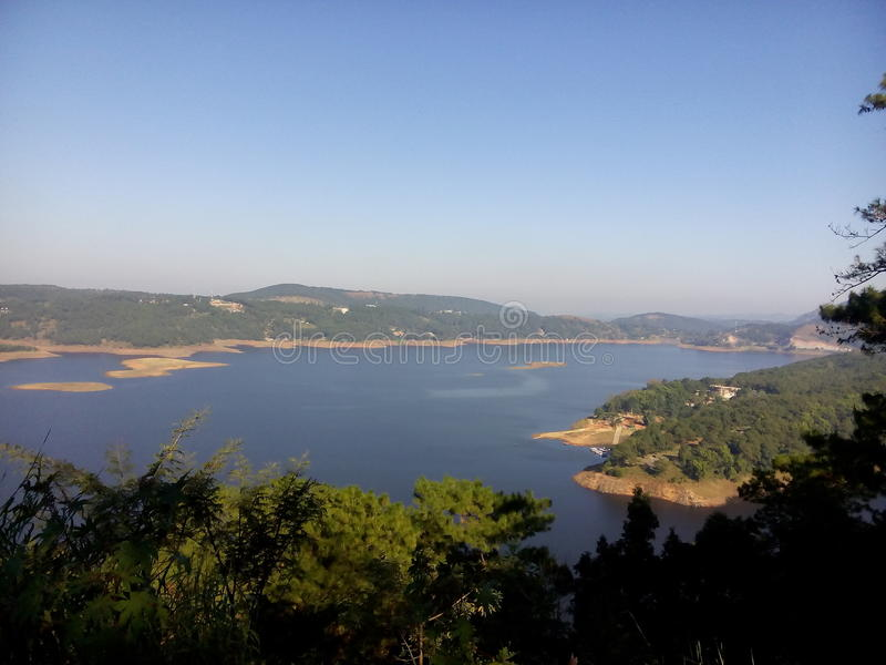 Barapani西隆maghalaya秀丽和自然 免版税库存照片