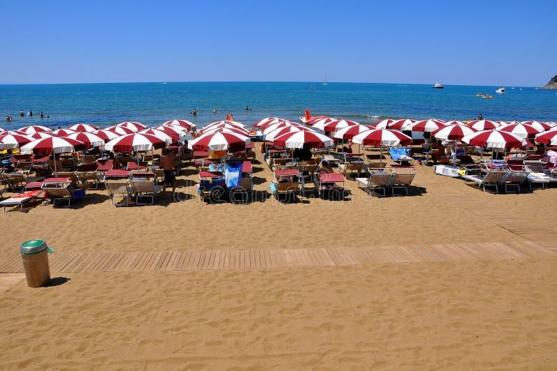 Baratti Strand in Italien, 2011 lizenzfreie stockbilder