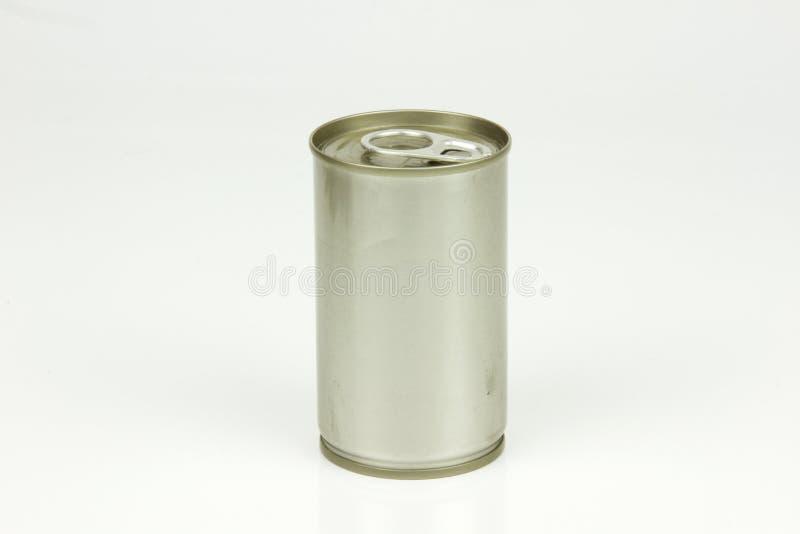 Barattolo di latta di alluminio su fondo bianco fotografia stock