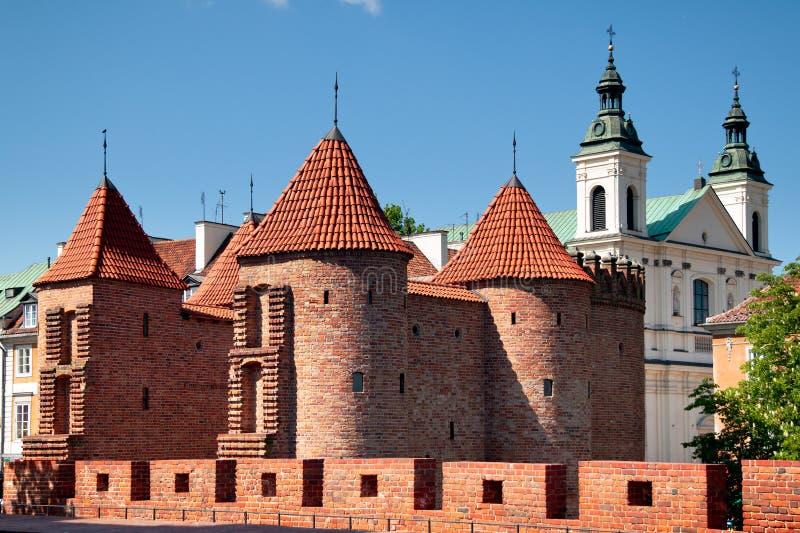 Barbacane dans la ville de Varsovie photographie stock libre de droits