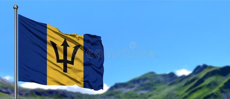 Barbados markeren het golven in de blauwe hemel met groene gebieden bij berg piekachtergrond Het Thema van de aard royalty-vrije stock afbeeldingen