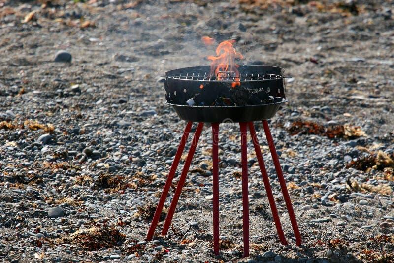 Barbecue di base della spiaggia fotografie stock libere da diritti