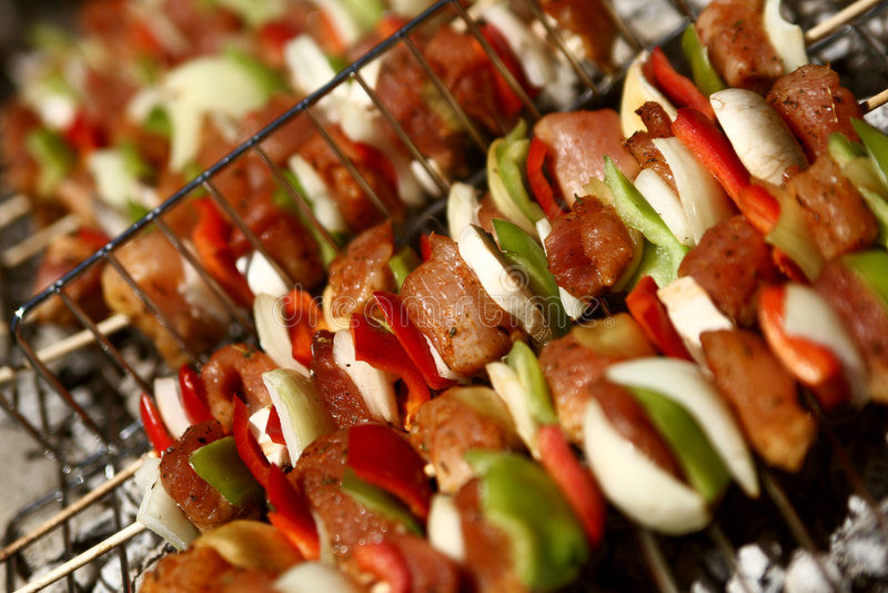 Barbecue met geroosterd vlees royalty-vrije stock afbeeldingen