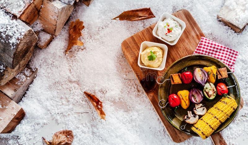 Barbecue végétarien de fête d'hiver photo libre de droits