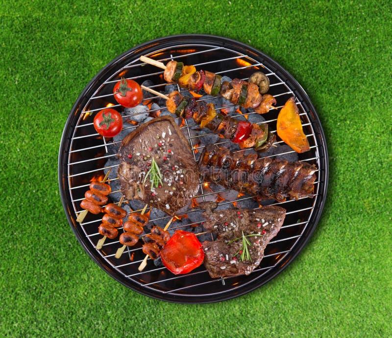 Barbecuegrill met diverse soorten vlees royalty-vrije stock fotografie
