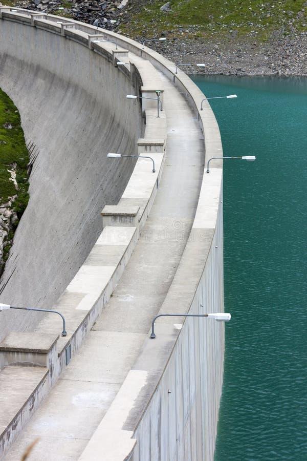 Barbellino-Verdammung und Rückhaltebecken, Alpen Orobie, Bergamo, lizenzfreies stockfoto