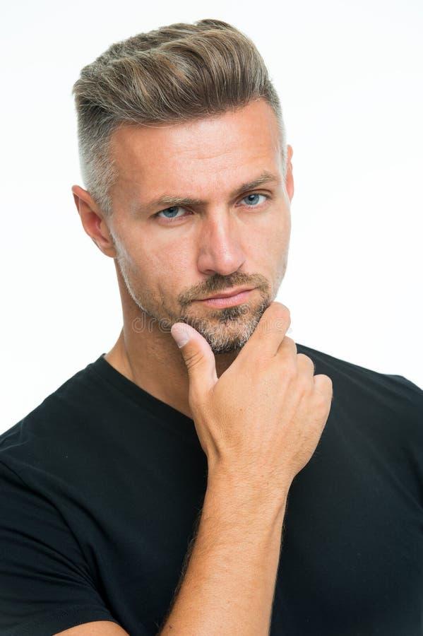 Barber Shop Concept Friseur und Friseur Reifes schönes Modell des Mannes Silbernes Haarshampoo Antialtern grizzle stockfoto