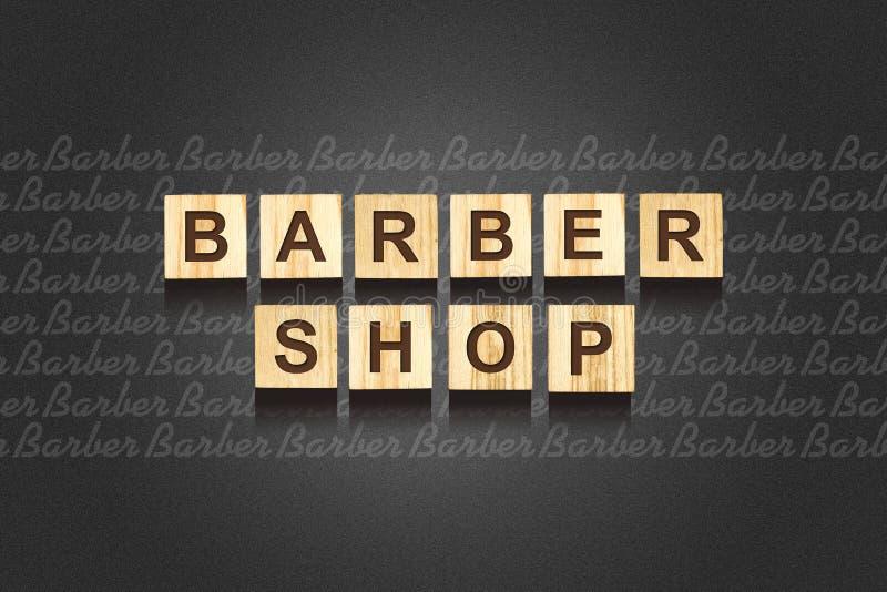 Barber Shop, palavra escrita no blocos de madeira copia o espaço Fundo da beleza e da fôrma fotografia de stock