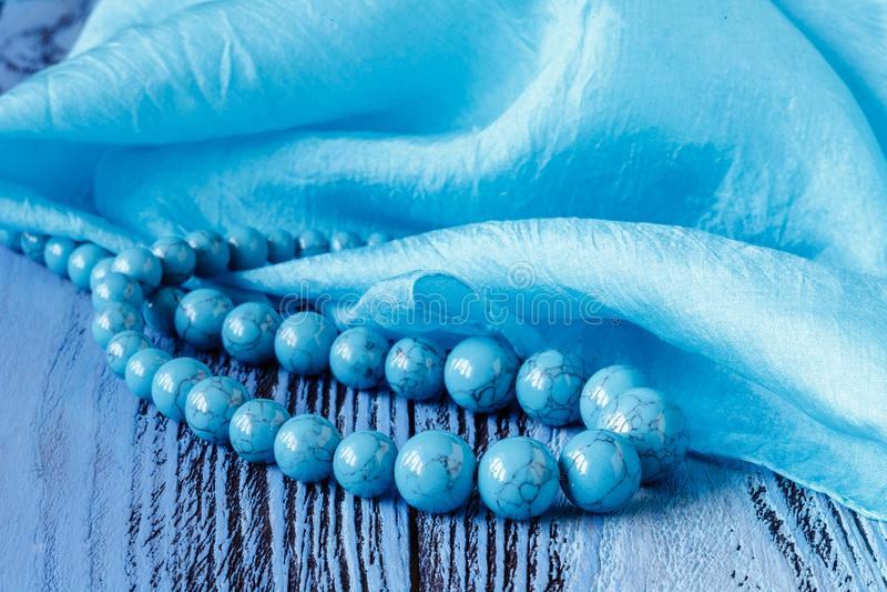 Barbes d'Asure sur la table en bois bleue photo libre de droits
