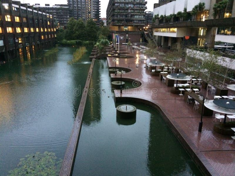 barbican κέντρο Λονδίνο στοκ φωτογραφία με δικαίωμα ελεύθερης χρήσης