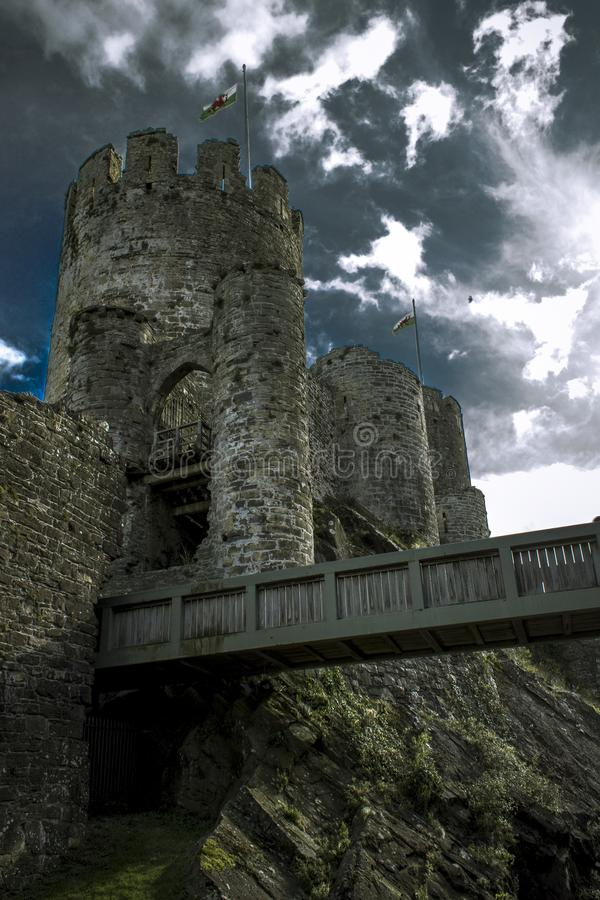 Barbican ocidental do castelo de Conwy fotos de stock