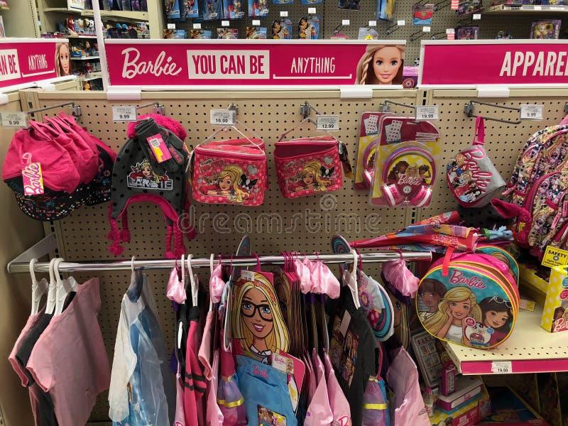 Barbie Dolls For Sale In Toy Store fotos de archivo libres de regalías