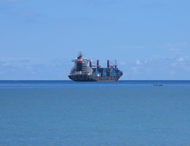 Download Barca foto de stock. Imagem de frete, facilidades, barca - 113320