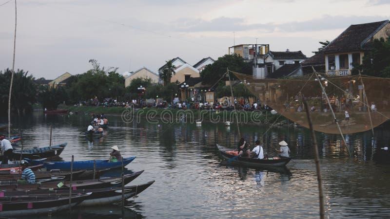 Barca al mercato, Hoi An, Vietnam immagine stock libera da diritti
