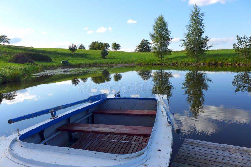 Barca blu fotografie stock