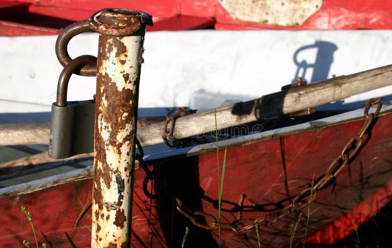 Barca chiusa a chiave fotografie stock libere da diritti