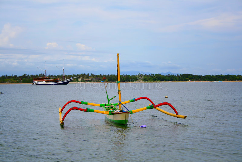 Barca del pescatore al puntello immagine stock libera da diritti