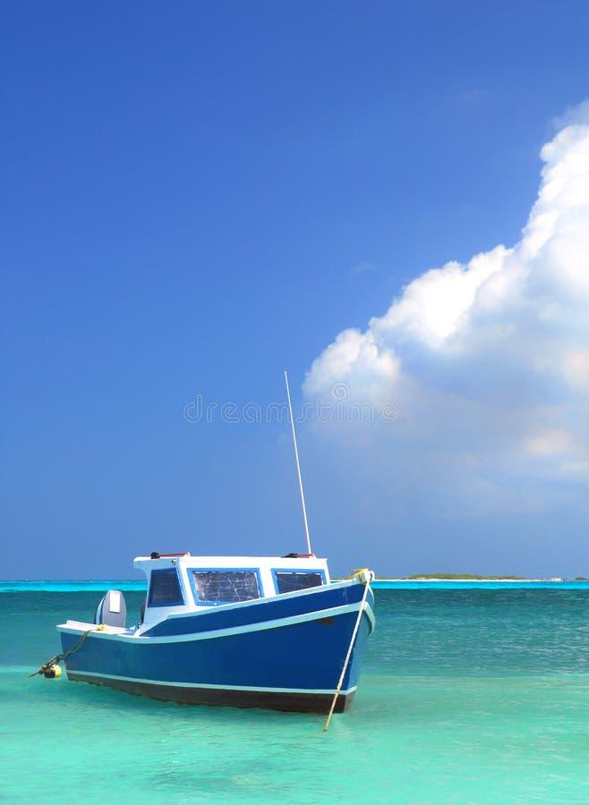Barca del pescatore in Aruba fotografie stock libere da diritti