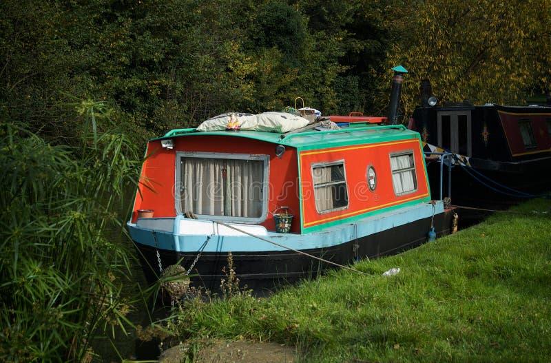 Barca di casa del canale fotografia stock