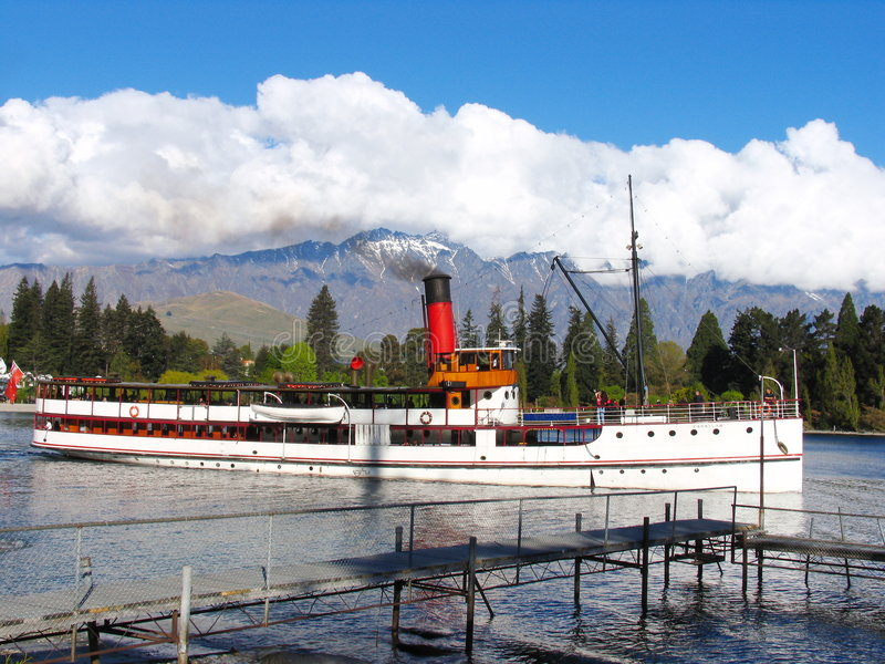 Barca di corsa a Queenstown fotografia stock