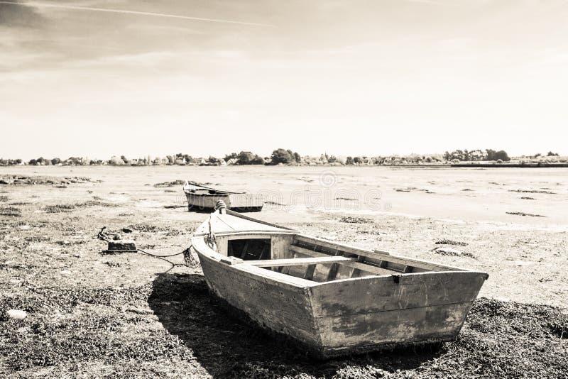 Barca di legno incagliata fotografie stock