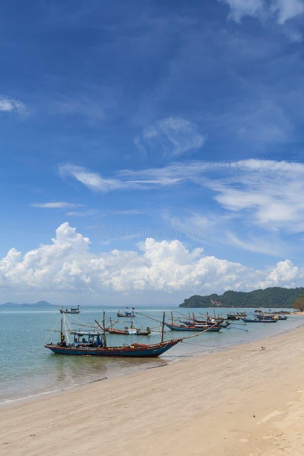 Barca di Longtail e bella spiaggia KOH Tao, Tailandia fotografia stock