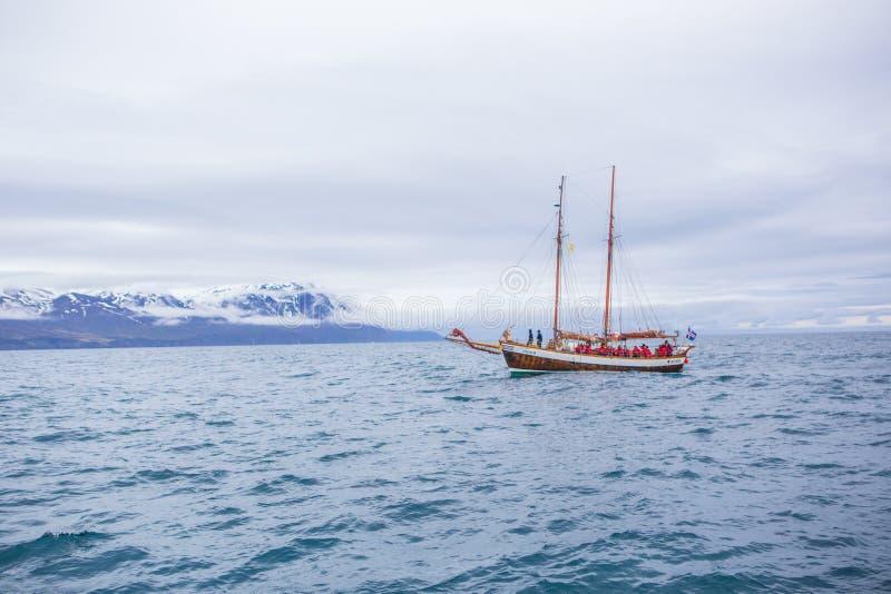 Barca di sorveglianza della balena fotografia stock