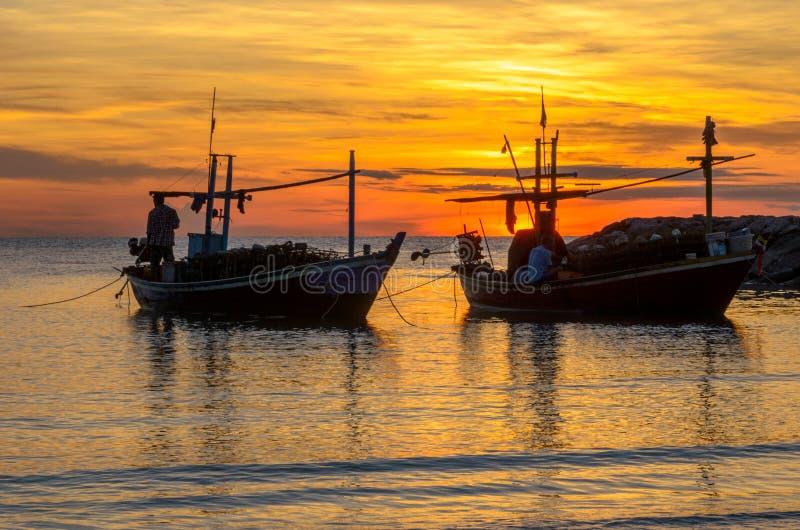Barca due nella mattina fotografia stock libera da diritti