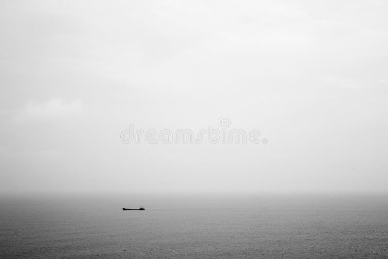 Barca e mare fotografie stock