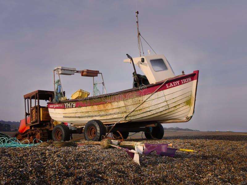 Barca e trattore funzionanti dell'aragosta immagini stock libere da diritti