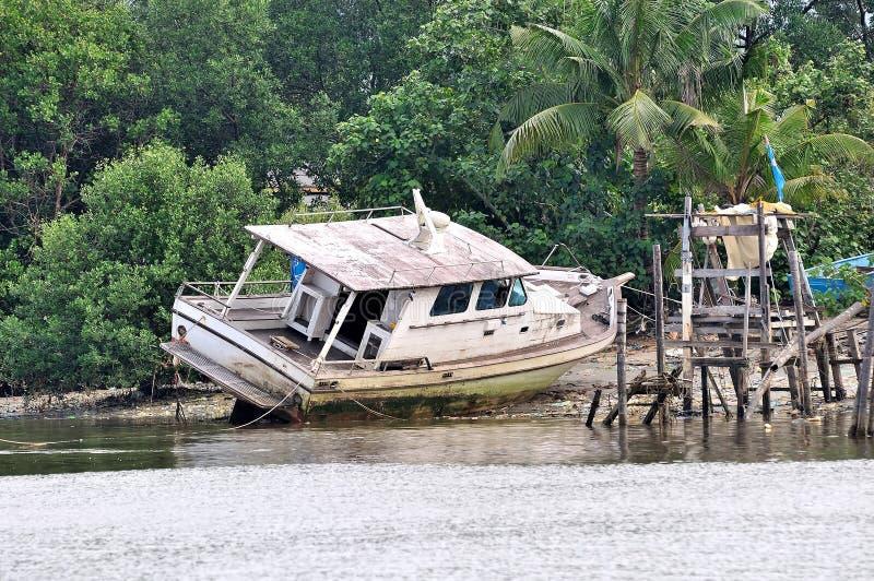 Barca incagliata fotografia stock