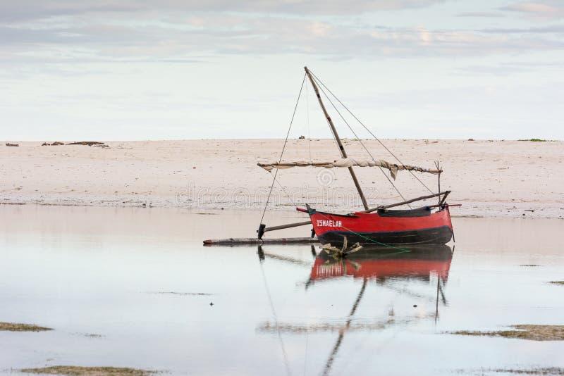 Barca locale nel Madagascar fotografia stock