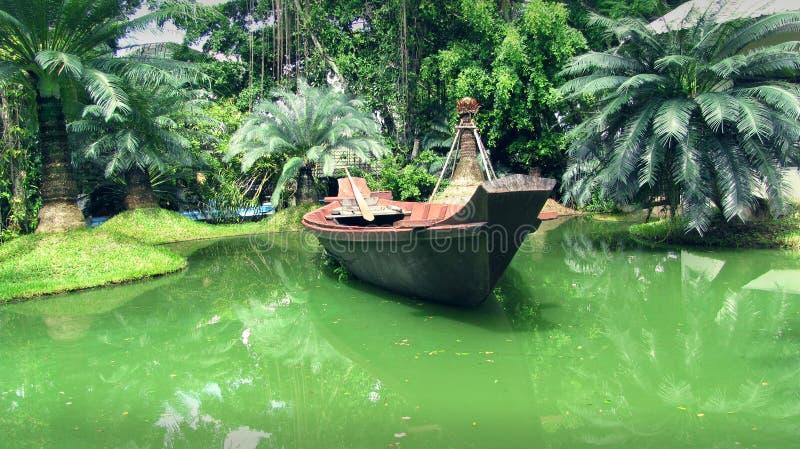 Barca nei tropici immagini stock