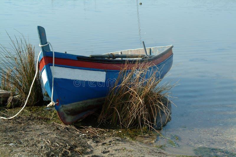 Barca nel bordo immagini stock