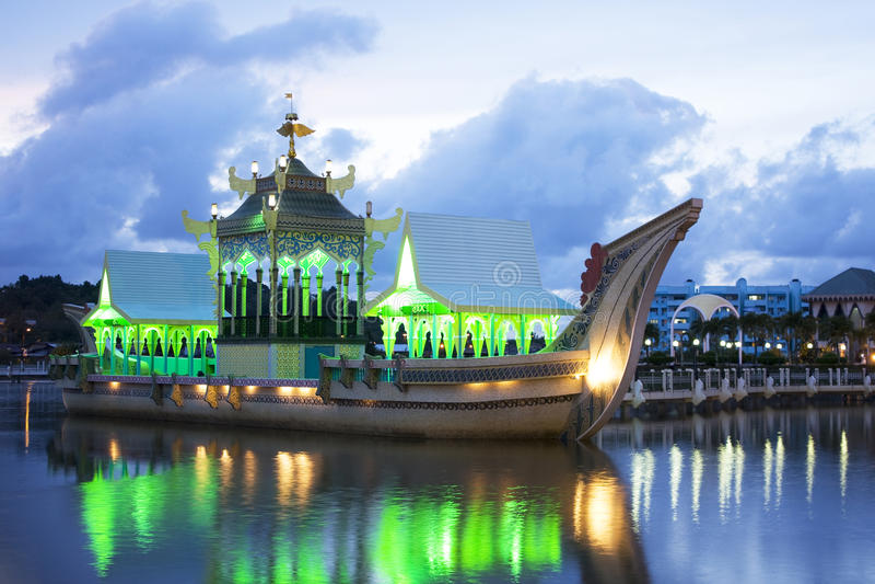 Barca real antiga, Brunei imagem de stock royalty free