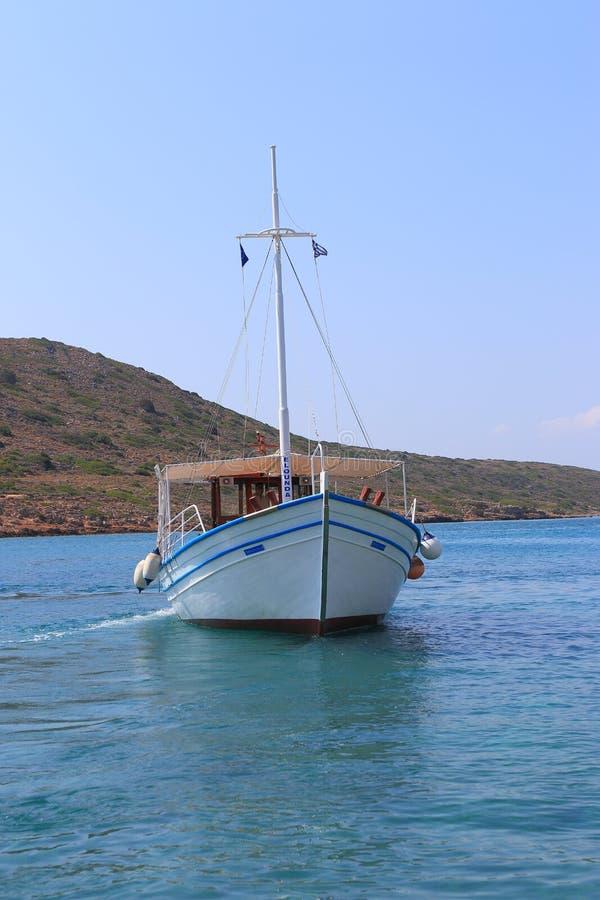 Barca su acqua fotografia stock libera da diritti