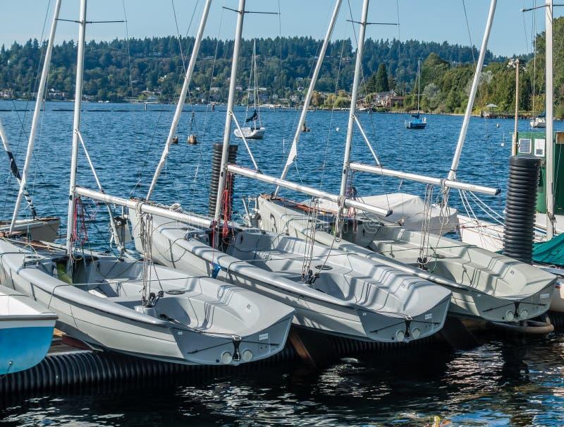 Barca sul bacino 3 fotografia stock