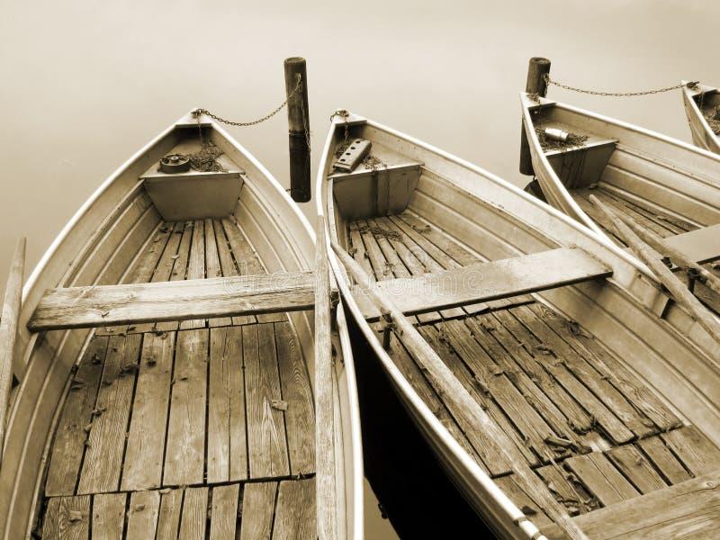 Barca sul lago (22), seppia fotografia stock libera da diritti