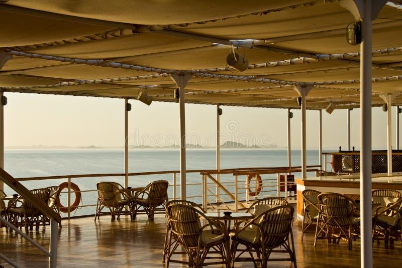 Barca sul lago Nasser immagini stock