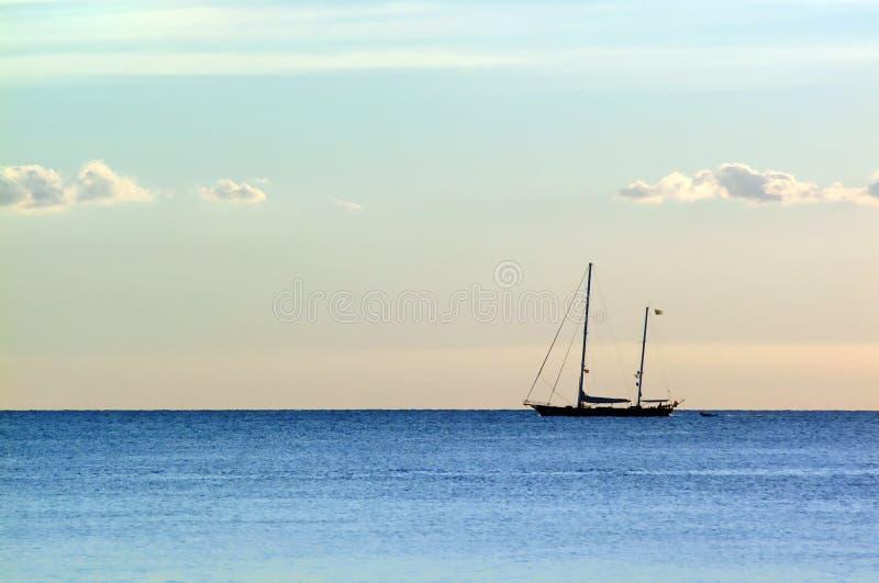 Barca sul mare immagine stock libera da diritti